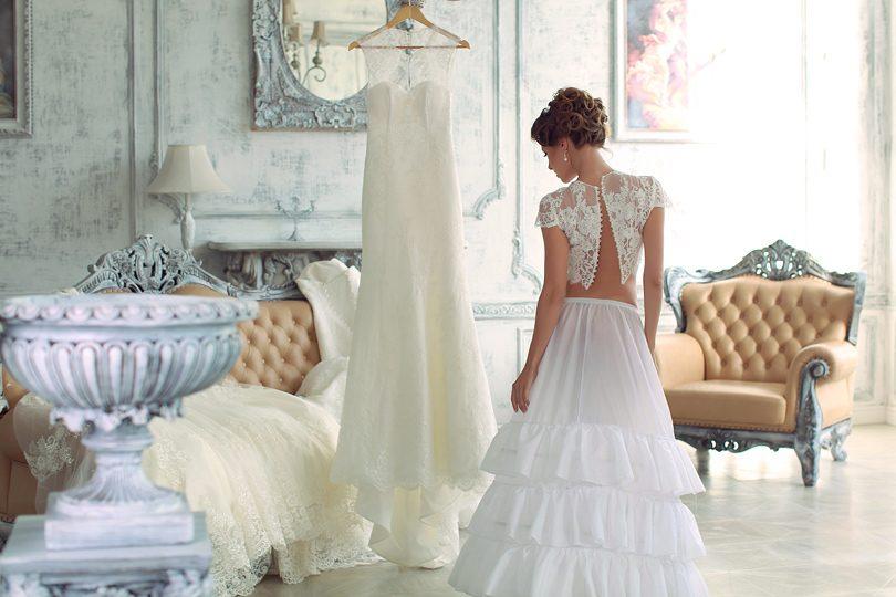 cb399aa727ee Γνωρίστε τα υφάσματα για νυφικά ή βραδυνά φορέματα - Περιοδικό ...