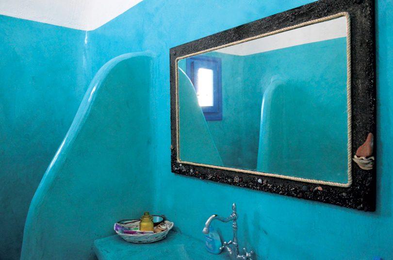 Καθρέφτης με άμμο & βότσαλα.